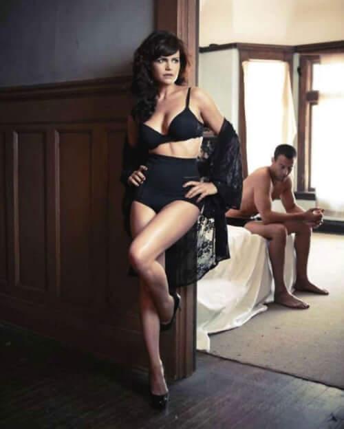 Carla Gugino sexy photo