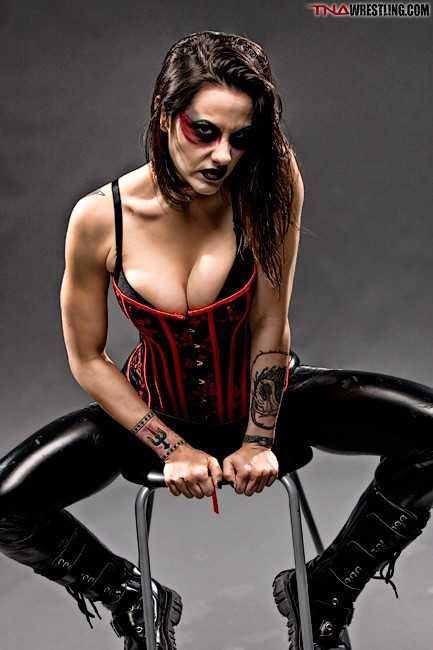 Daffney sexy cleavage pic
