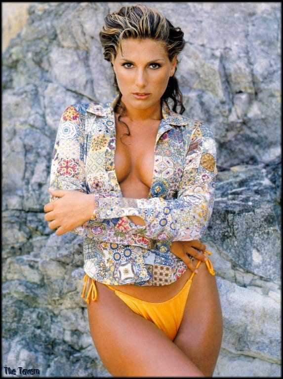 Daisy Fuentes cleavage pictures