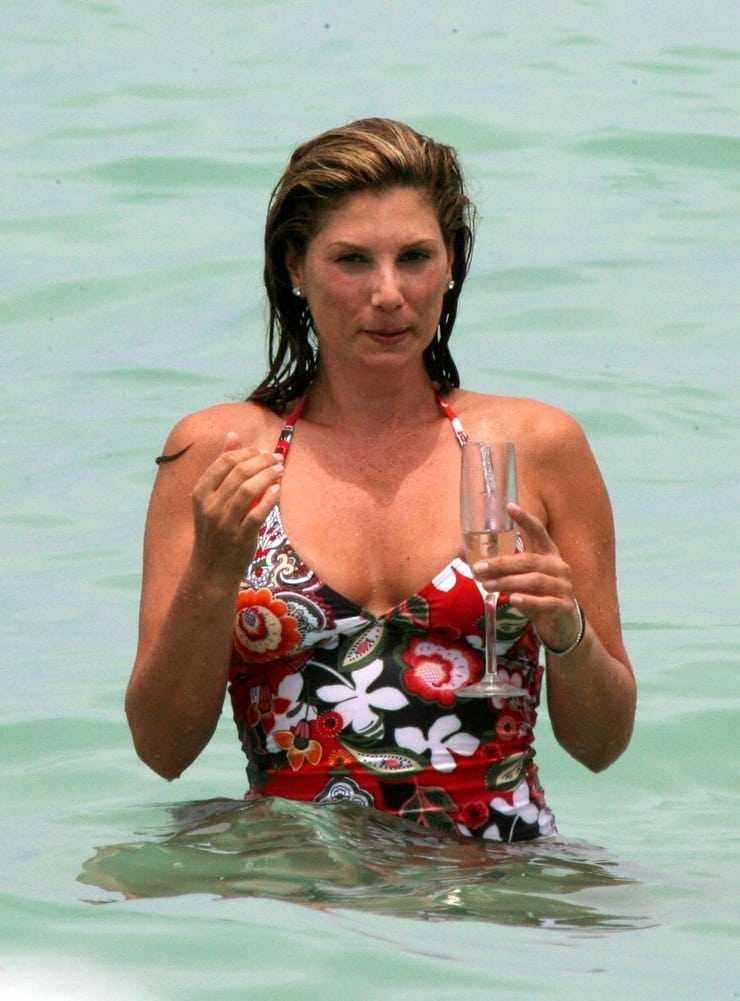 Daisy Fuentes sexy wet pic