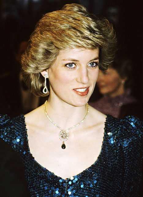Diana, Princess of Wales cleavage (2)