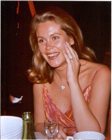 Elizabeth Montgomery hot cleavage pics