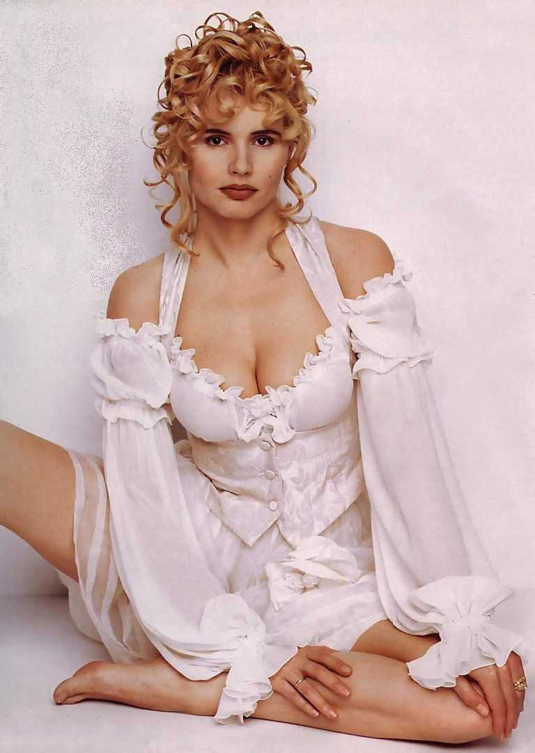 Geena Davis big boobs cleavge