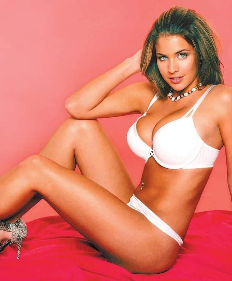 Gemma Atkinson sexy boobs pictures
