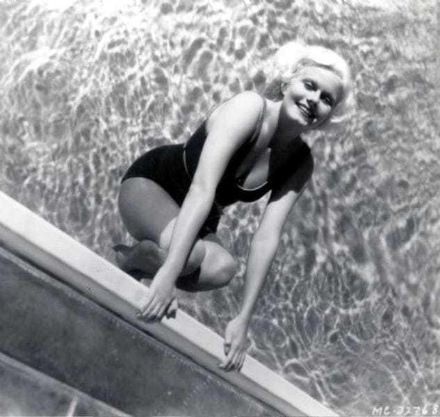 Jean Harlow sexy photo