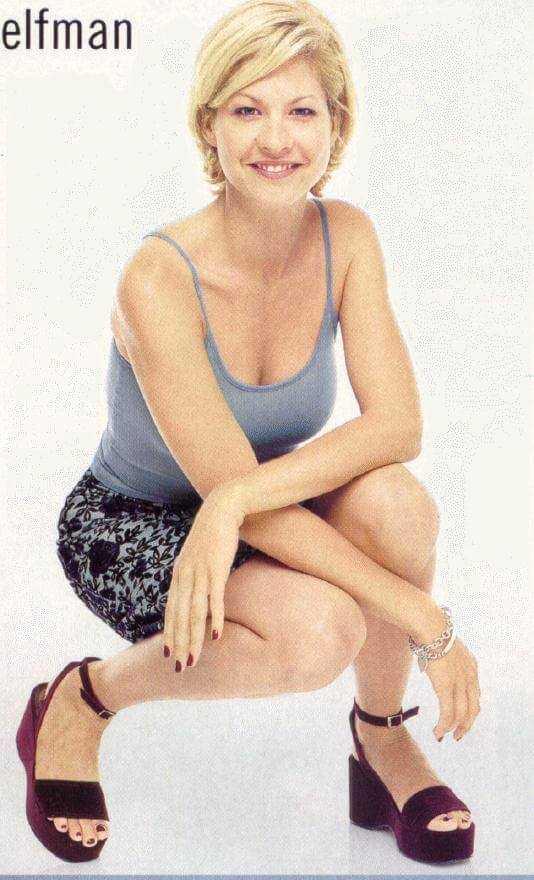 Jenna Elfman hot cleavage