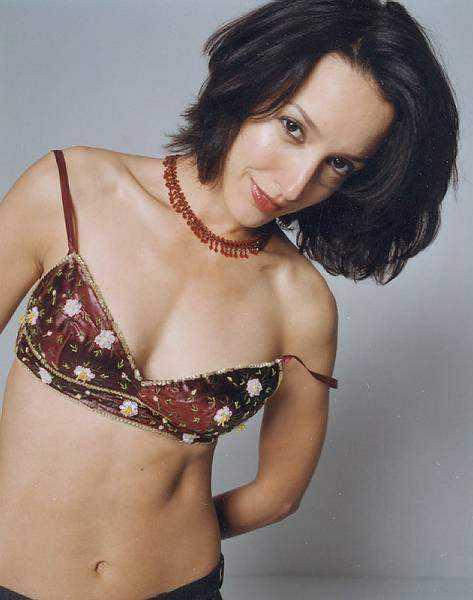 Jennifer Beals hot cleavage pic (2)