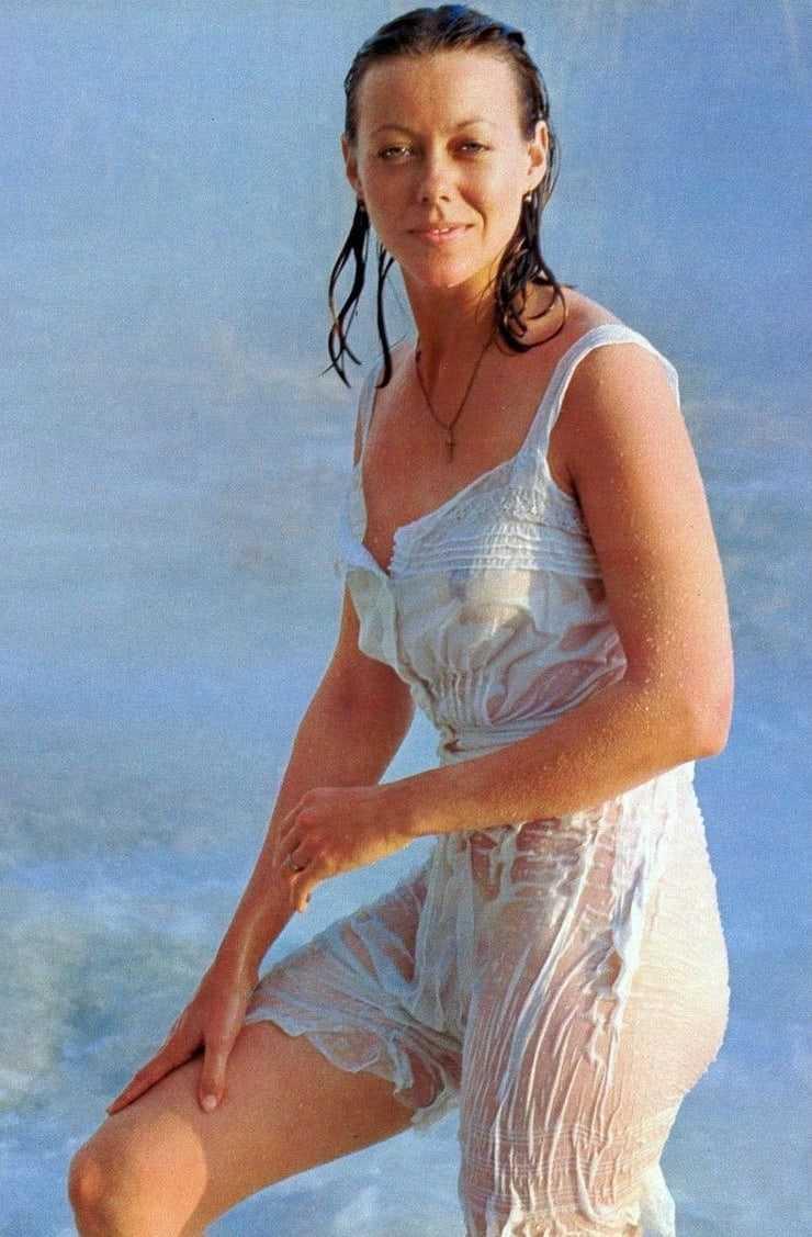 Jenny Agutter bikini pics