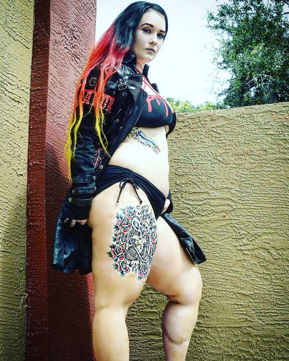 Jessicka Havok hot thighs pic