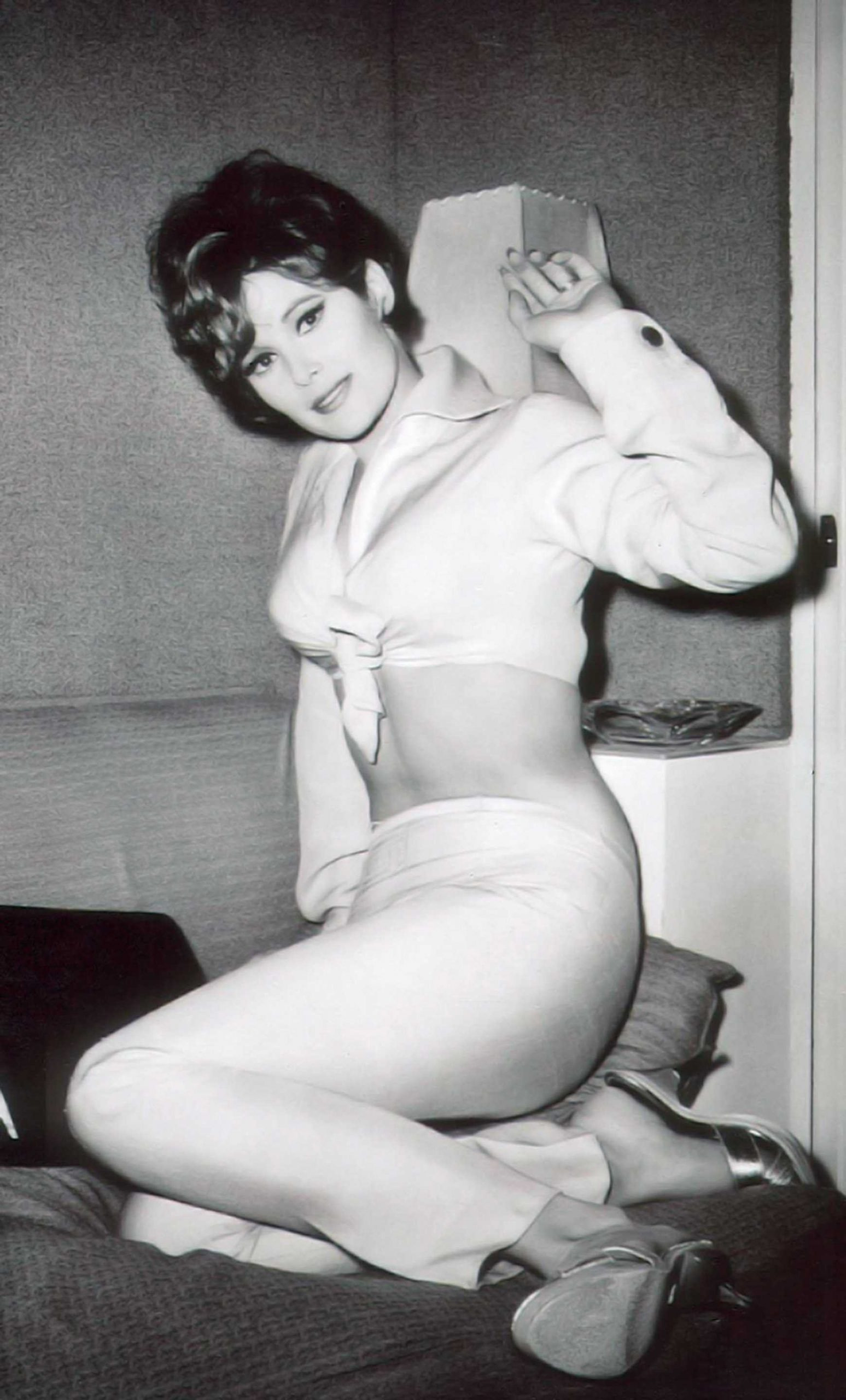 61 Jill St. John Sexy Pictures Demonstrate That She Is As Hot As Anyone Might Imagine - GEEKS ON ...
