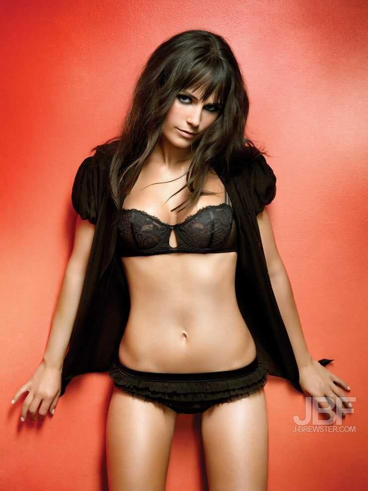Jordana Brewster black bikini pictures