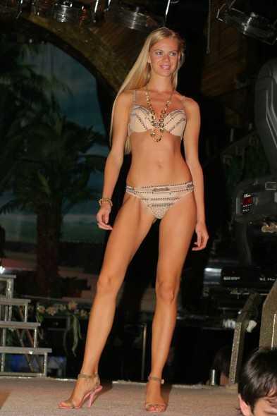 Julia Timonina sexy bikini pic