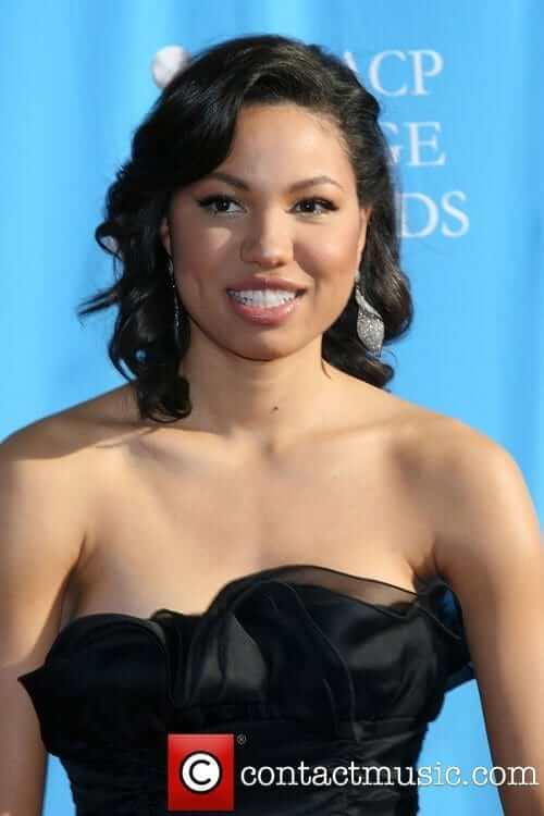 Jurnee Smollett-Bell sexy busty pictures