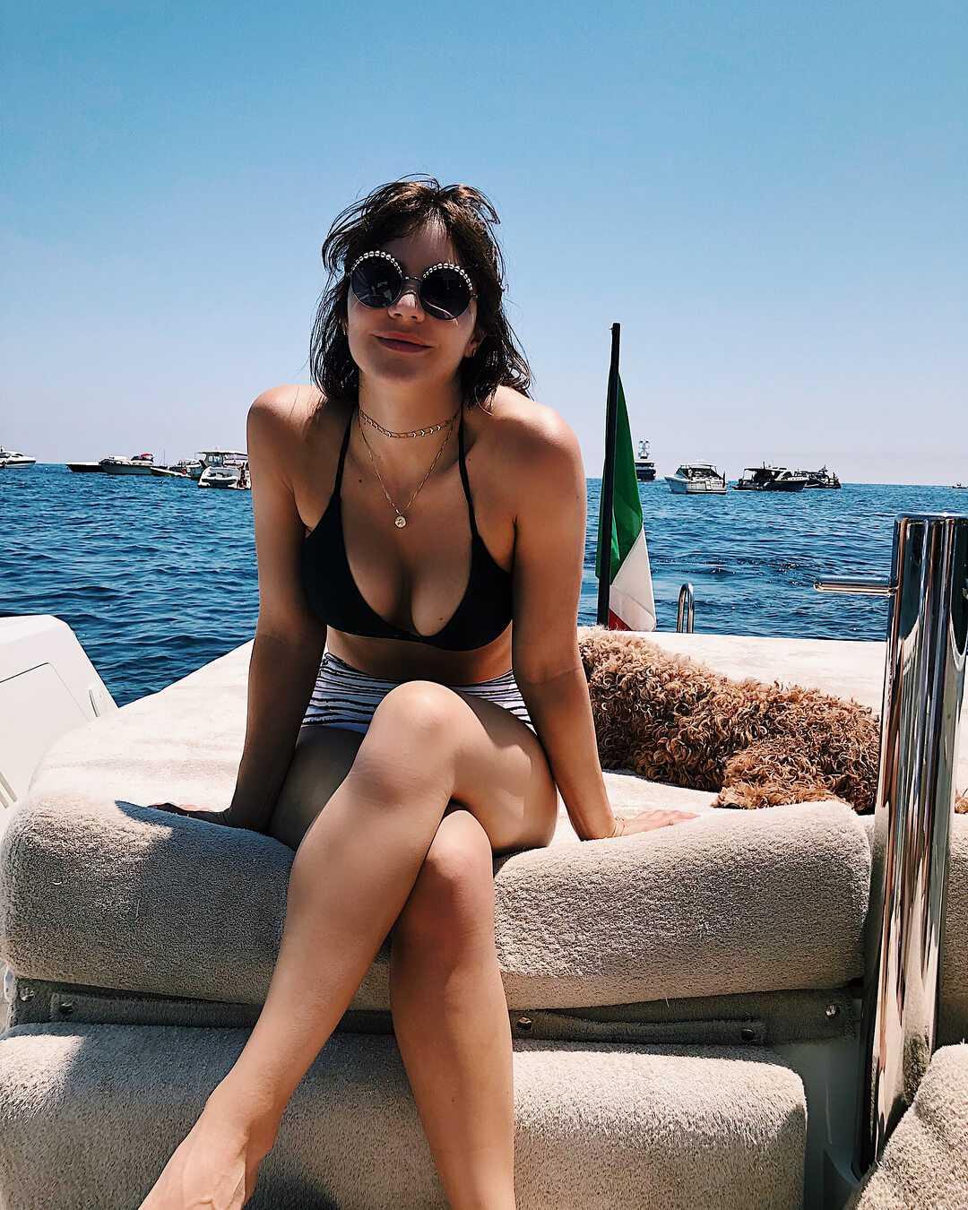 Katharine McPhee cleavage