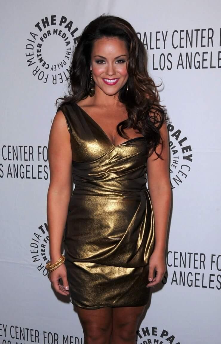 Katy Mixon hot look (2)