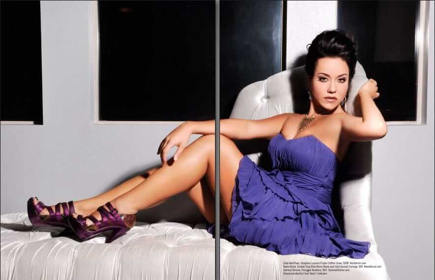 Katy Mixon sexy feet