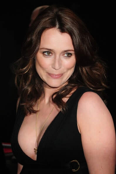 Keeley Hawes sexy busty pics (3)