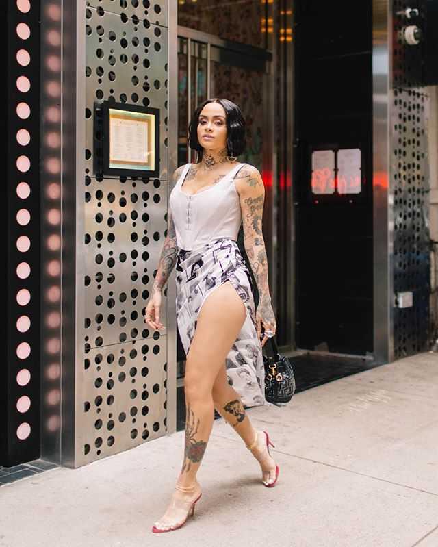 Kehlani sexy feet (1)