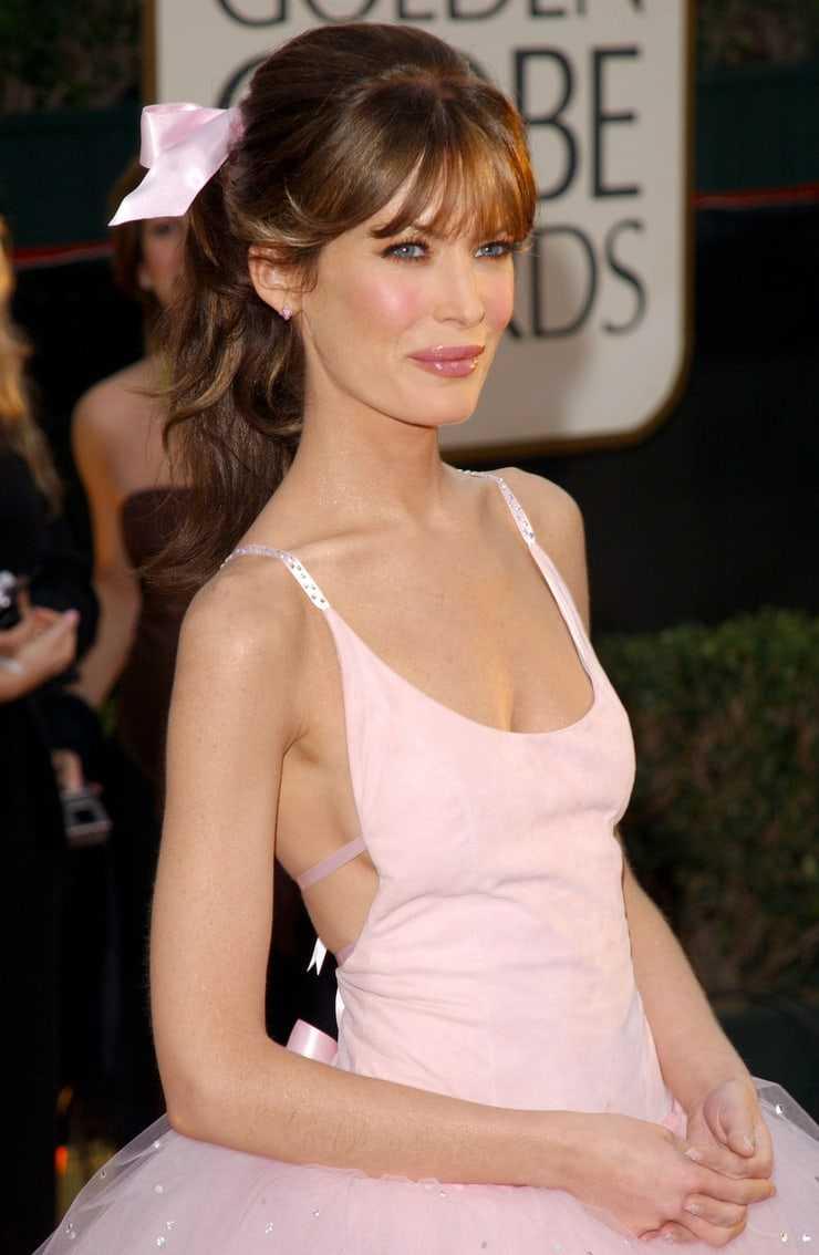 Lara Flynn Boyle dress