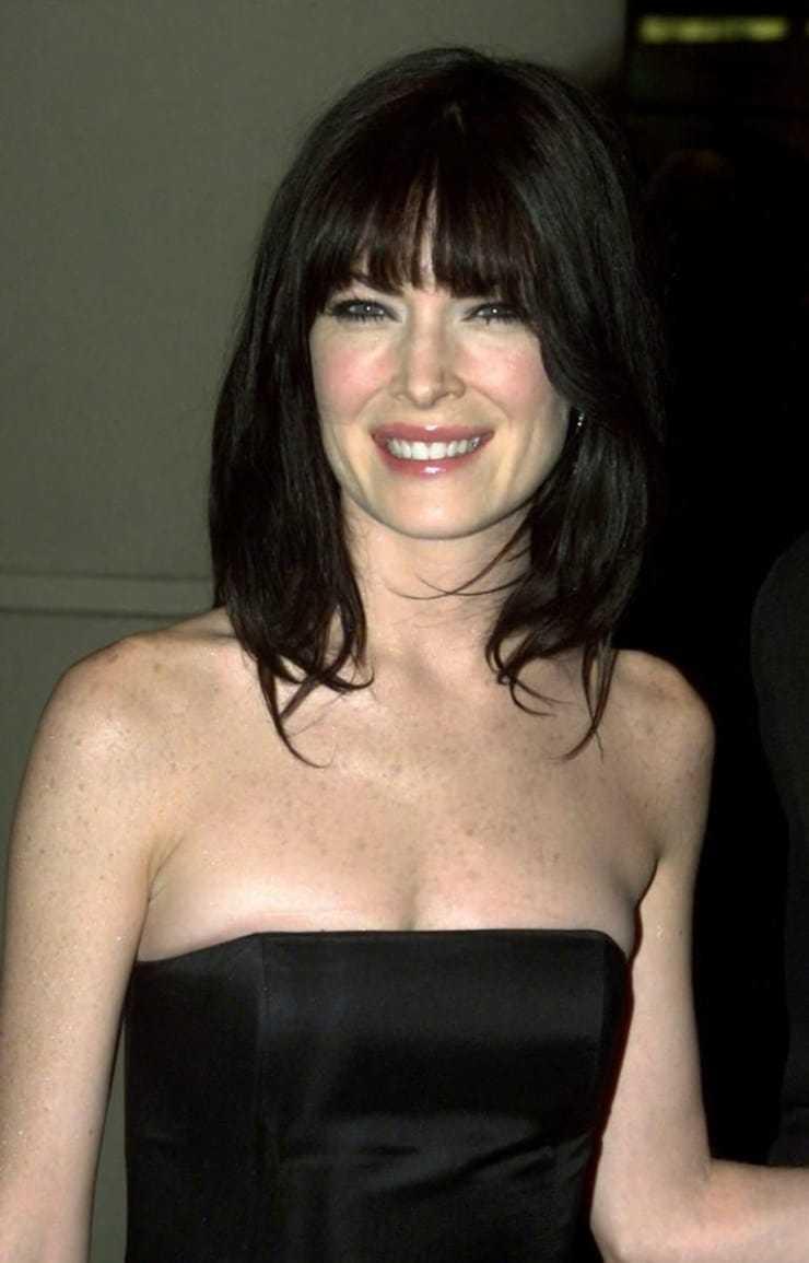 Lara Flynn Boyle hairs