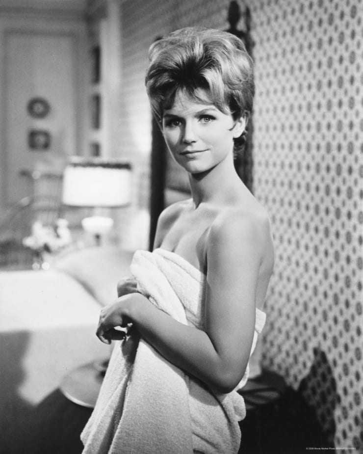 Lee Remick adorable