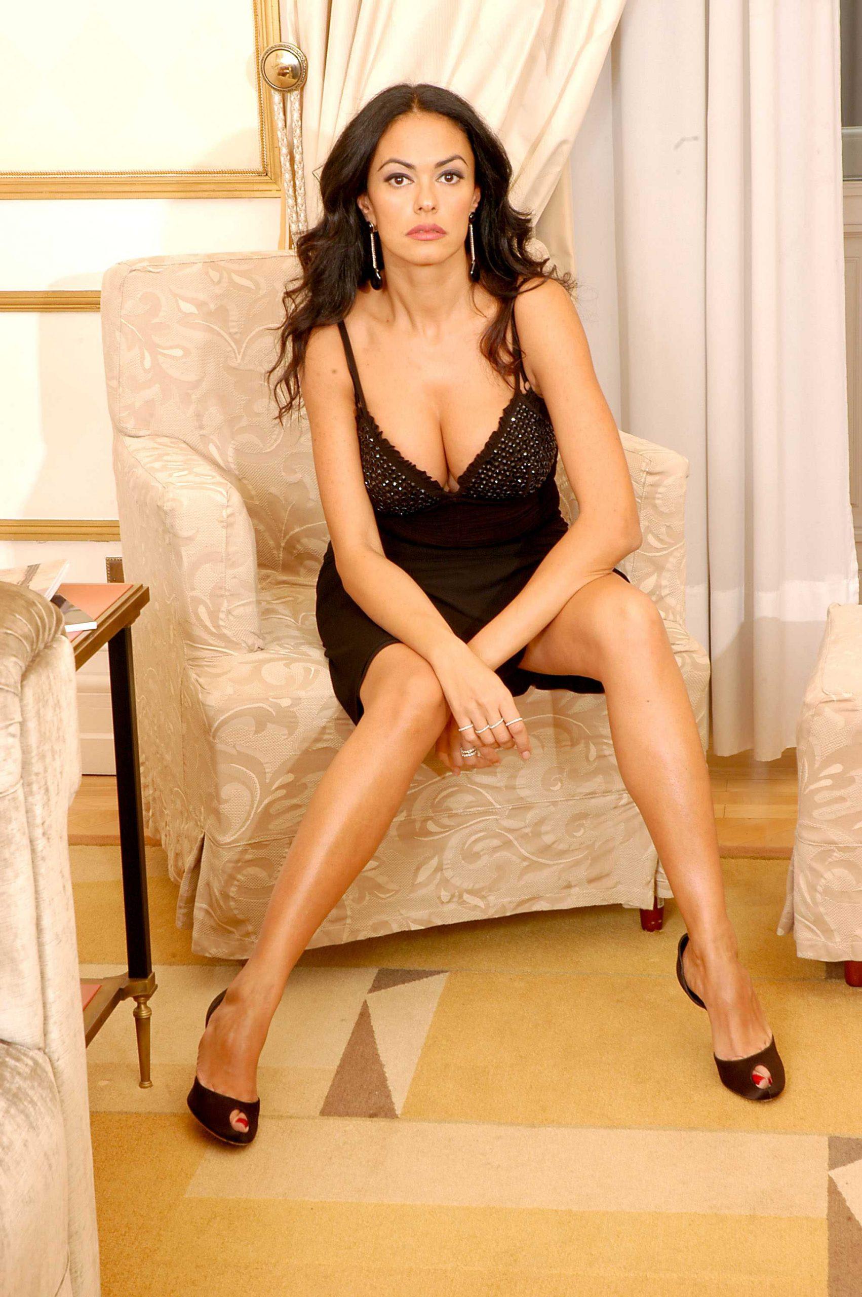 Maria Grazia Cucinotta awesome