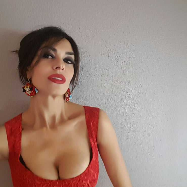 Maria Grazia Cucinotta tits