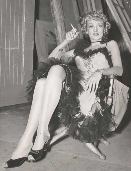 Marlene Dietrich sexy