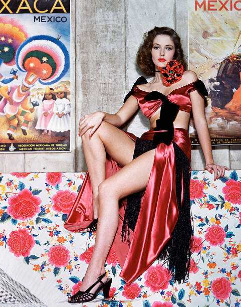 Martha Vickers sexy legs