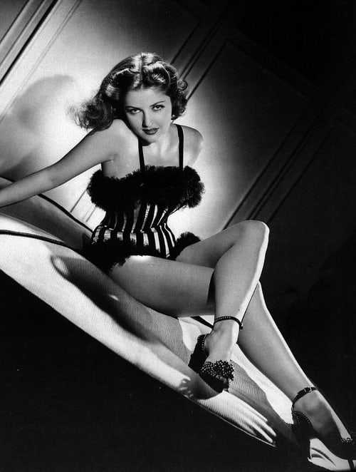 Martha Vickers sexy look (2)
