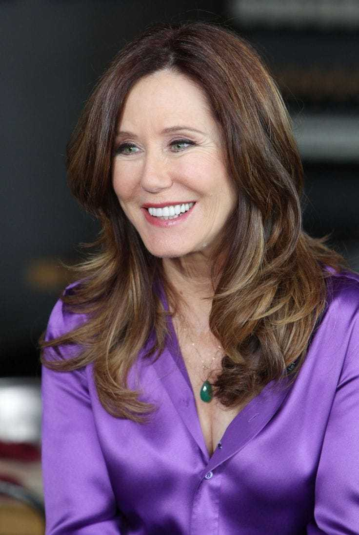 Mary McDonnell smile