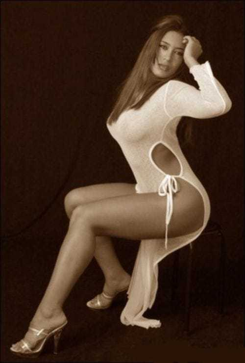 Melina sexy legs pic