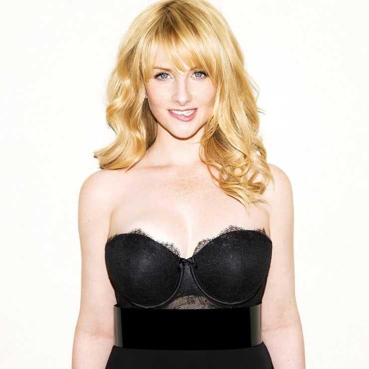 Melissa Rauch hot pics
