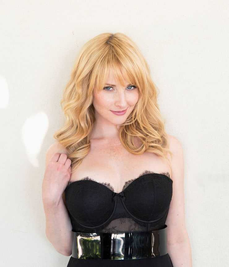Melissa Rauch hot pictures