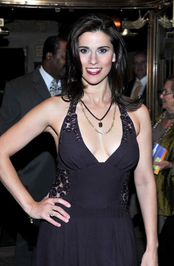 Milena Govich hot cleavage pics