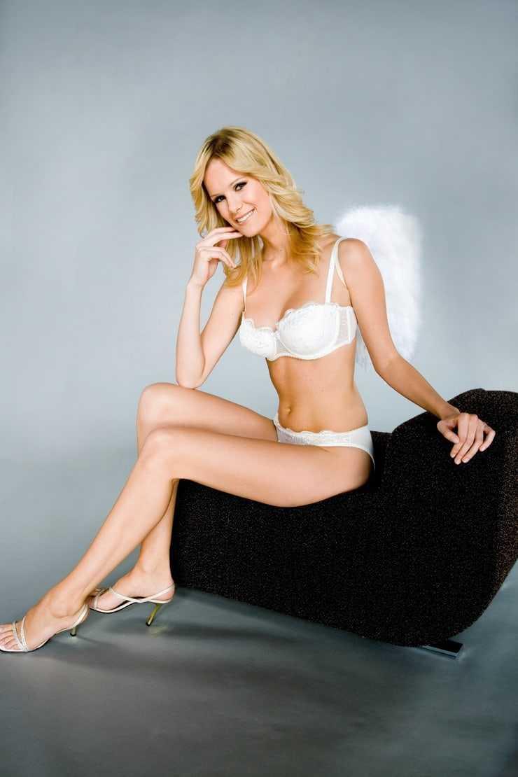 Monica Ivancan sexy bikini pictures