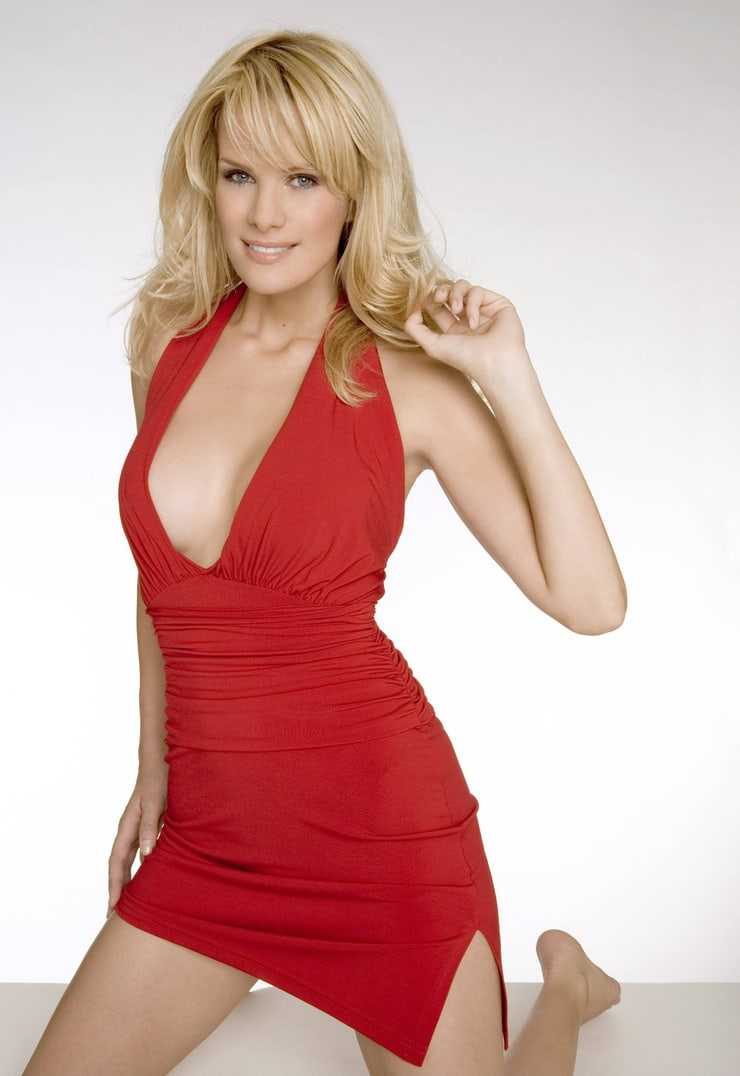 Monica Ivancan sexy photo