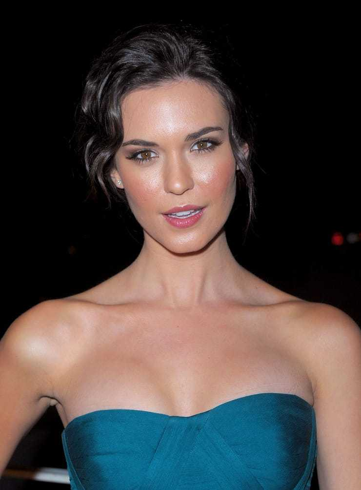 61 Odette Annable Sexy Pictures Are Blessing From God To People - GEEKS ON COFFEE