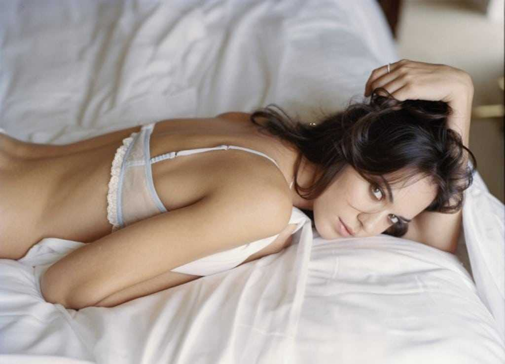 Odette Annable sexy