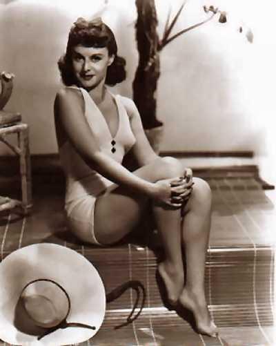 Paulette Goddard hot (2)