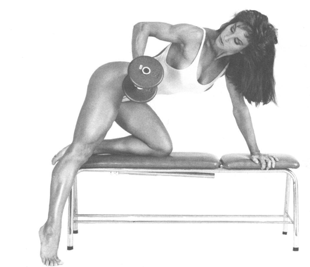 Rachel McLish side pose