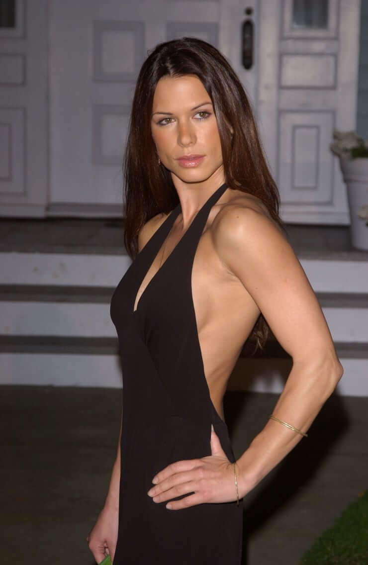 Rhona Mitra sexy side pictures