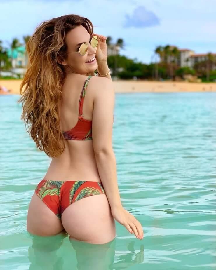 Rosanna Pansino hot butt