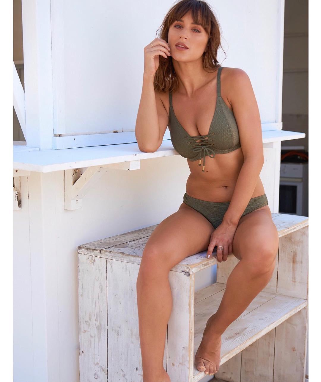 Rosie Jones sexy