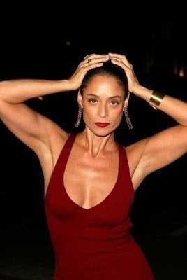 Sônia Braga big boobs cleavage