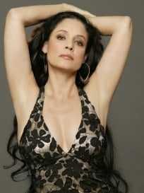 Sônia Braga cleavage