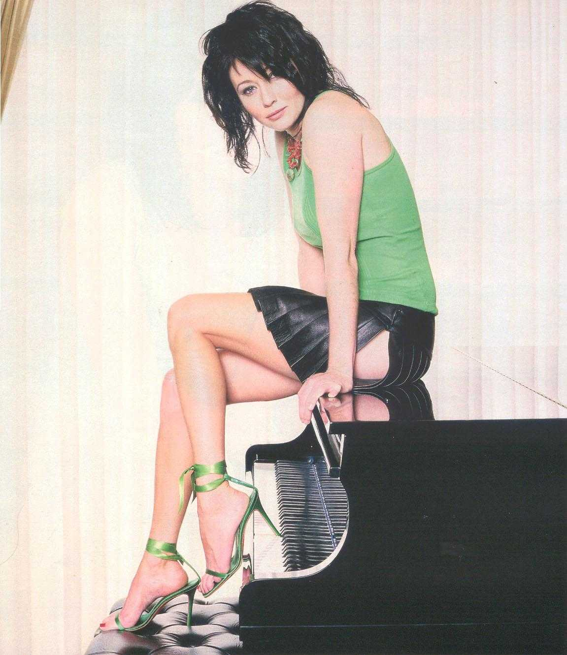 Shannen Doherty booty pics