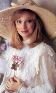 40 Shelley Long Sexy Pictures Showcase Her Ideally Impressive Figure - GEEKS ON COFFEE
