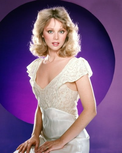 Shelley Long sexy cleavage pics