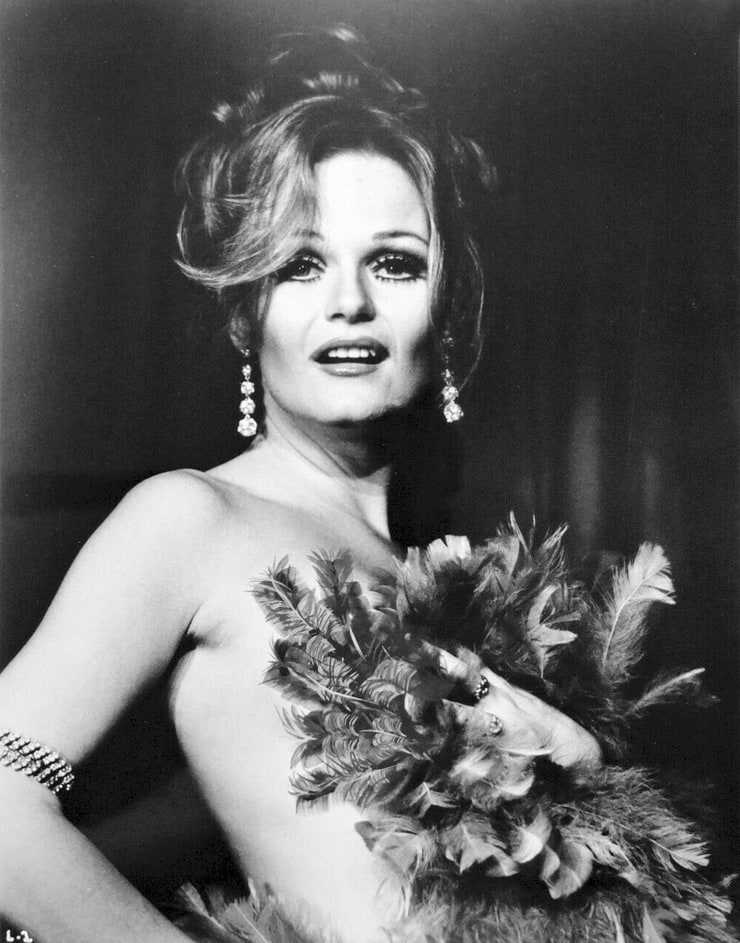 54 Valerie Perrine Sexy Pictures Which Are Incredibly